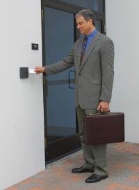 Установка систем контроля и управления доступом (СКУД)